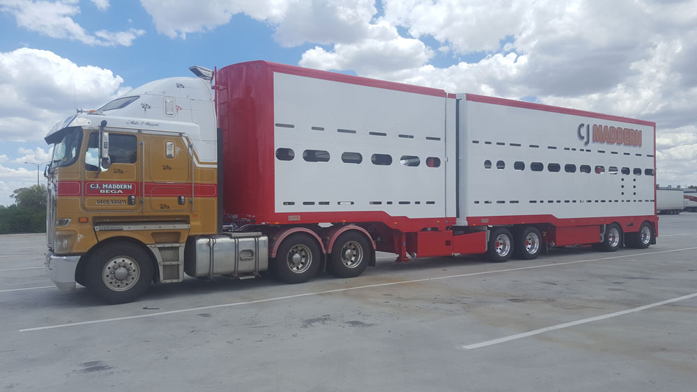 Arends Trailers 19m 2 Deck Aluminium Cattle Crate. Fitted with optional Aero skirt between trailers.