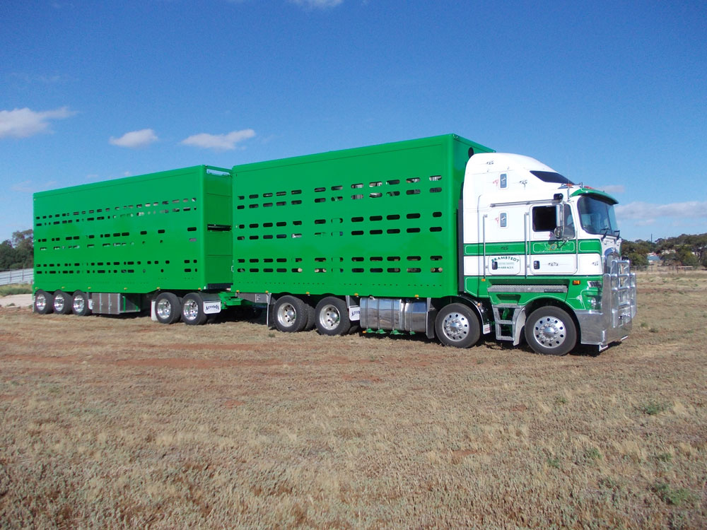 Arends Trailers 20m 4 x 2 Convertible. Full Aluminium crates. Versatility plus.